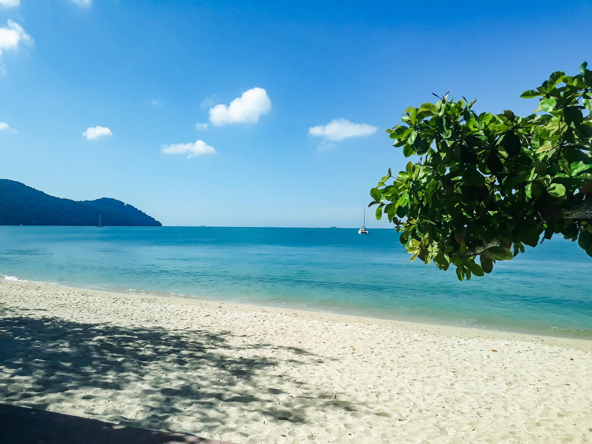 the beach in Yao Yai Beach Resort Thailand